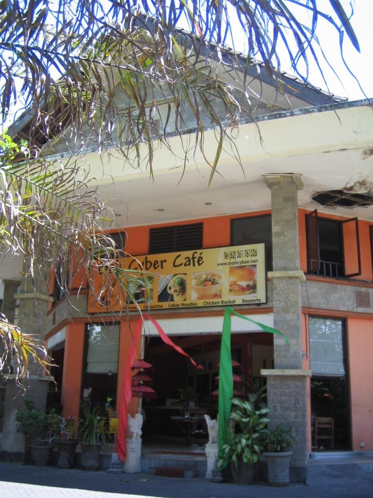 Bali-cyber1