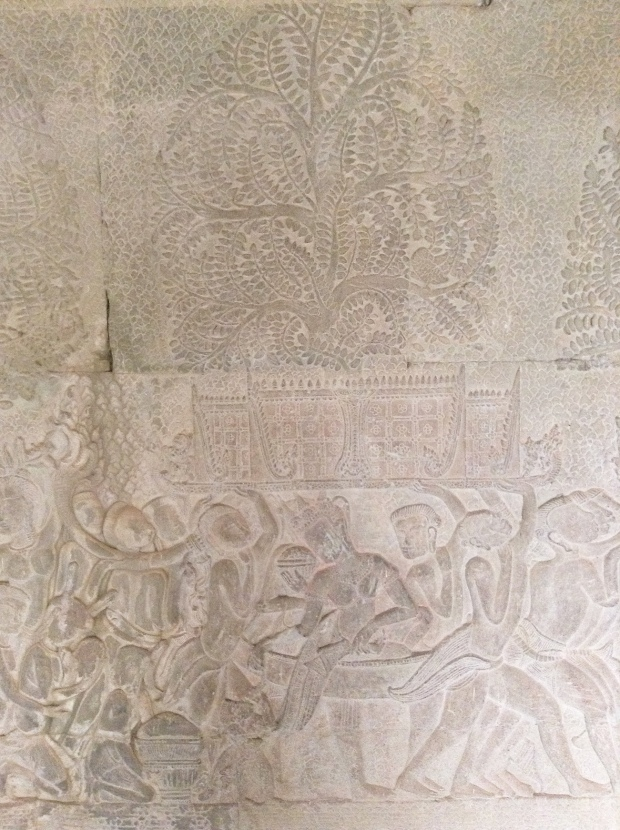 Bas relief princess Angkor Wat